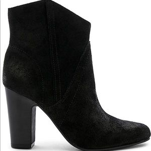 Vince Camuto creestal western booties